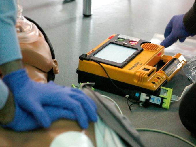 Manexo do desfibrilador externosemiautomático (DESA)